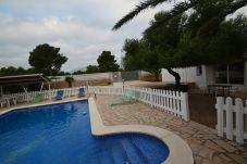 Villa avec piscine dans le quartier de Calafat